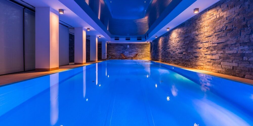 Pool lighting: How to create an effective lighting design ...